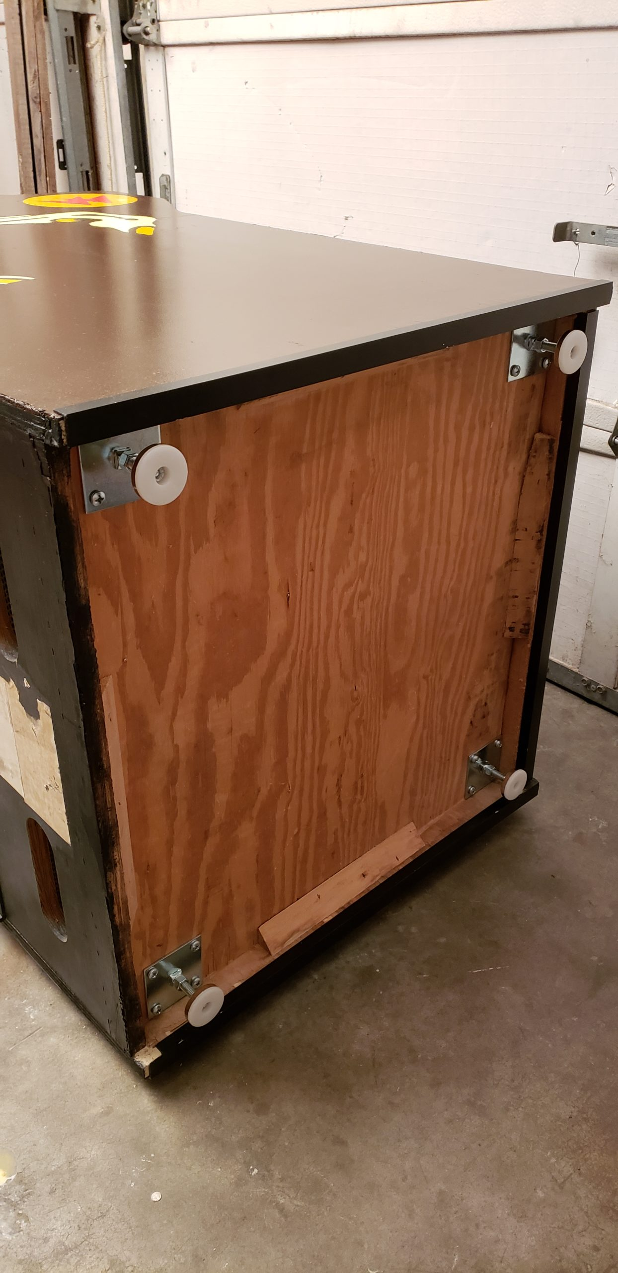 bottom of cabinet with feet